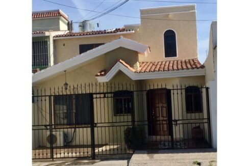 Se vende casa en Jardines del Toreo Mazatlán