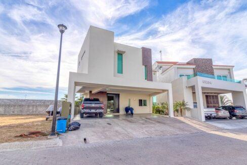 Se vende casa en Puerta al Mar, Marina Mazatlán