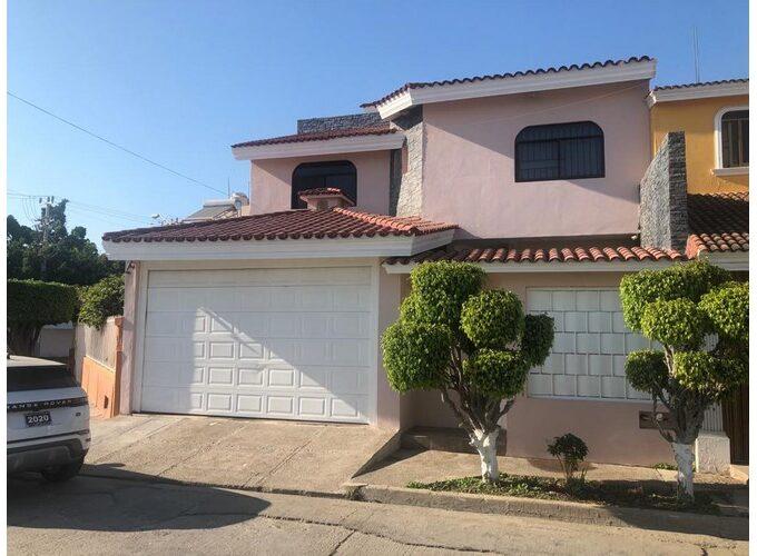 Se vende casa en Fraccionamiento Alameda - Mazatlán