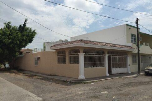 Se vende casa en Villa Satélite, Mazatlán