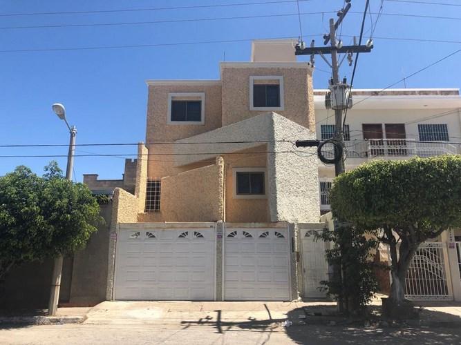 Se renta casa en la Colonia Tellerías - Mazatlán