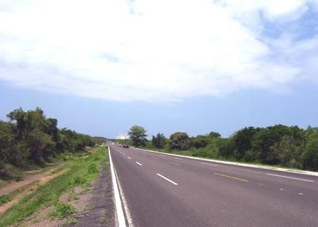 Se vende terreno en Av. Mario Huerta (Habal Cerritos) - Mazatlán
