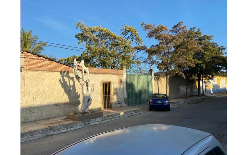 Se vende terreno en la Francisco Villa - Mazatlán