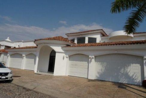 Se vende casa en La Marina Mazatlán